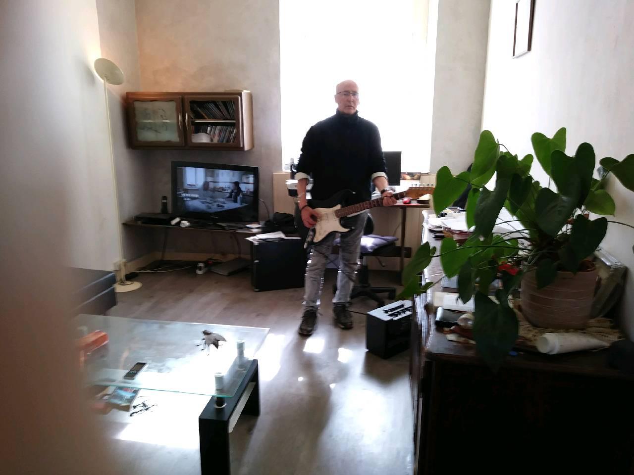 Des mélodies reprises à la guitare électrique !