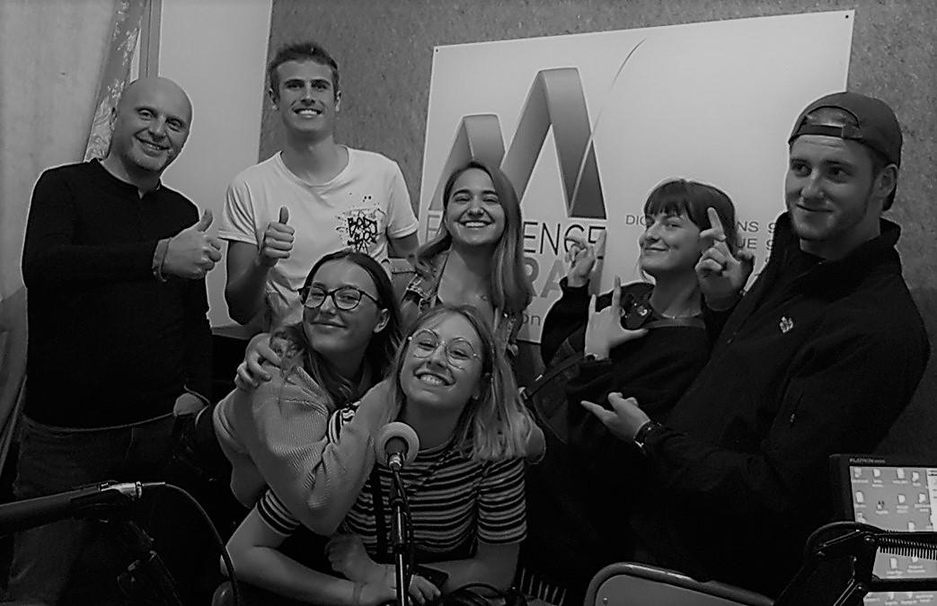 L'équipe des Indignes avec à gauche leur professeur Olivier Valensi