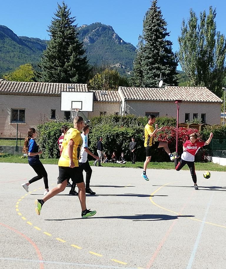 Les jeunes Castellanais ont-ils un comportement conforme aux règles de leur collège ?