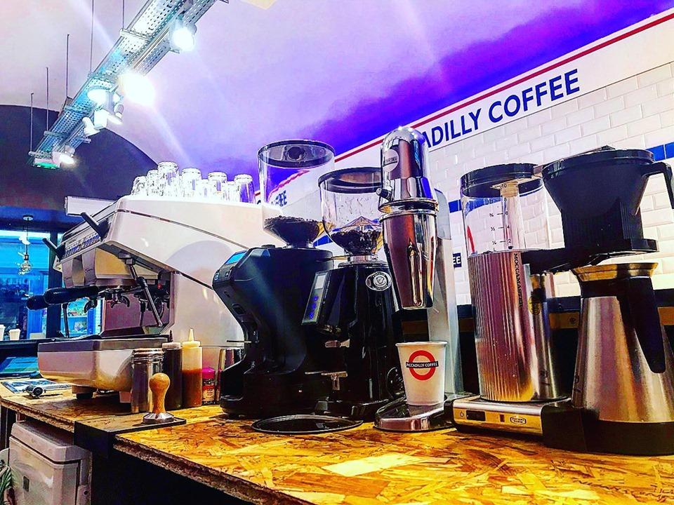 Piccadilly Coffee à Gap : So british !