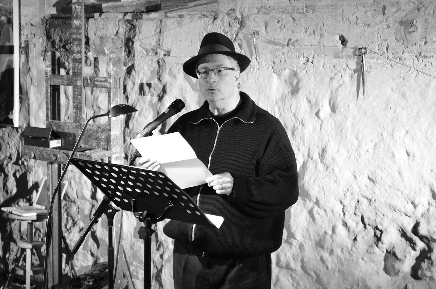 L'invité dans la Chronique by James-passeurs de mots des paroles de confinés : Jean Azarel écrivain et poète