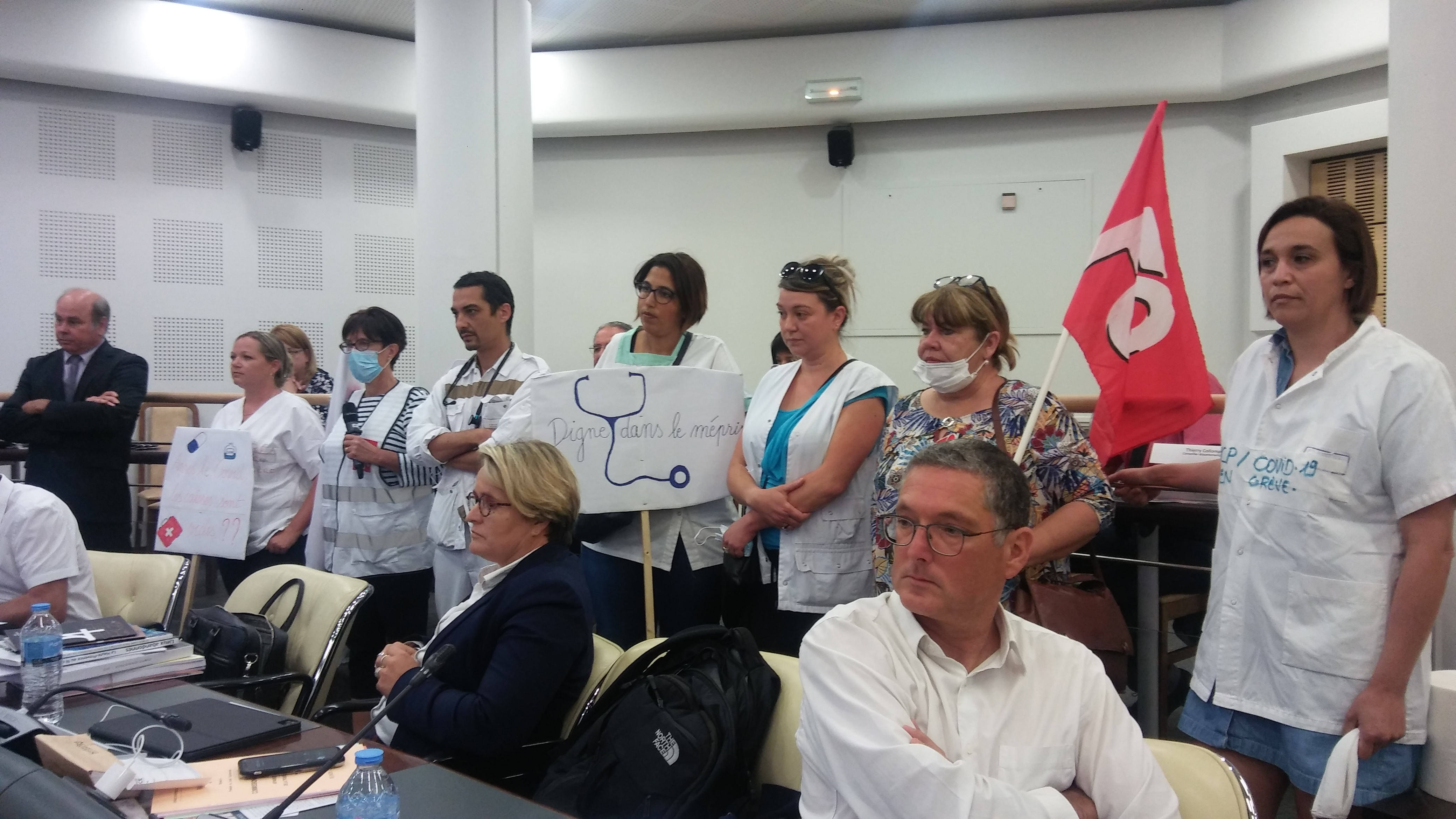 La prime hospitalière s'invite aux débats des élus bas-alpins