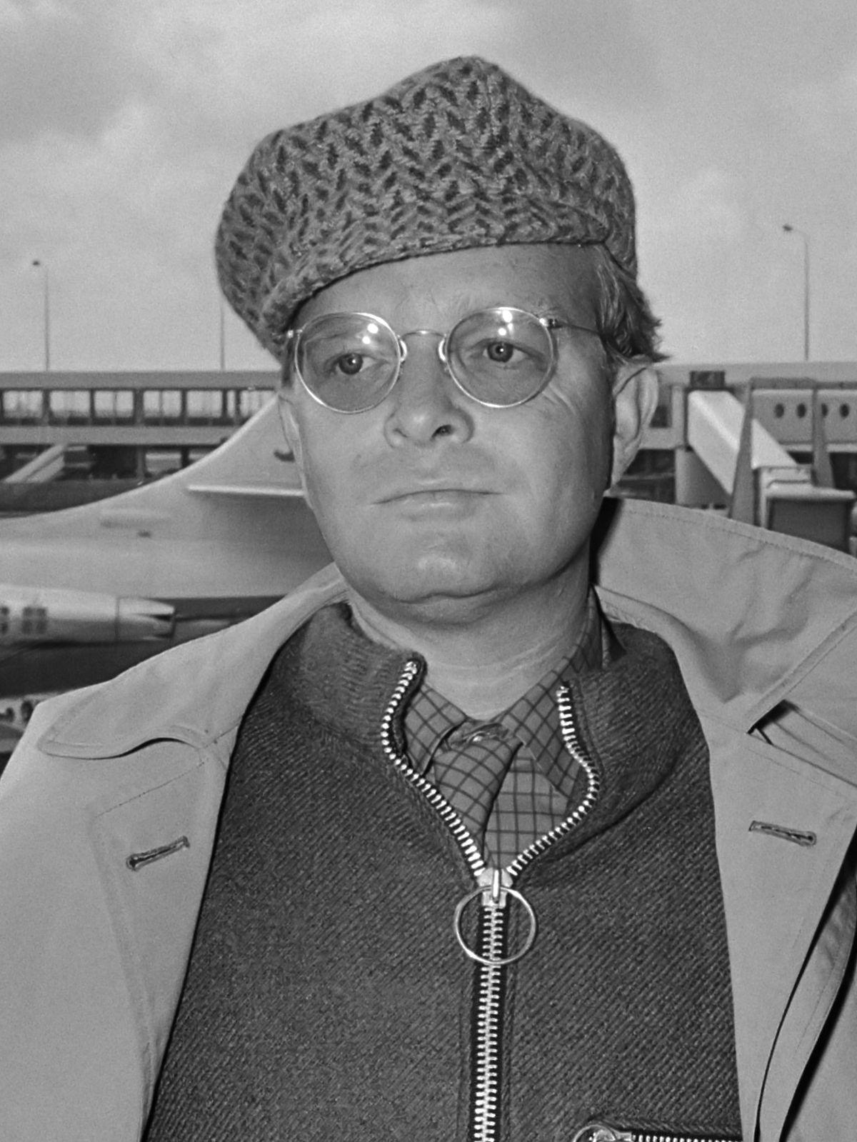 """Je suis un oiseau-lyre # """" une porte est close """", une nouvelle de Truman Capote"""