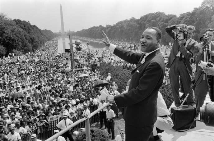 Chronique Line: Martin Luther King.. L'homme des droits humain sans discrimantion.. Il changea l'histoire.