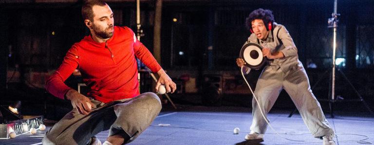 Tourbillon de cirque en équilibre sur la musique, au Théâtre Durance
