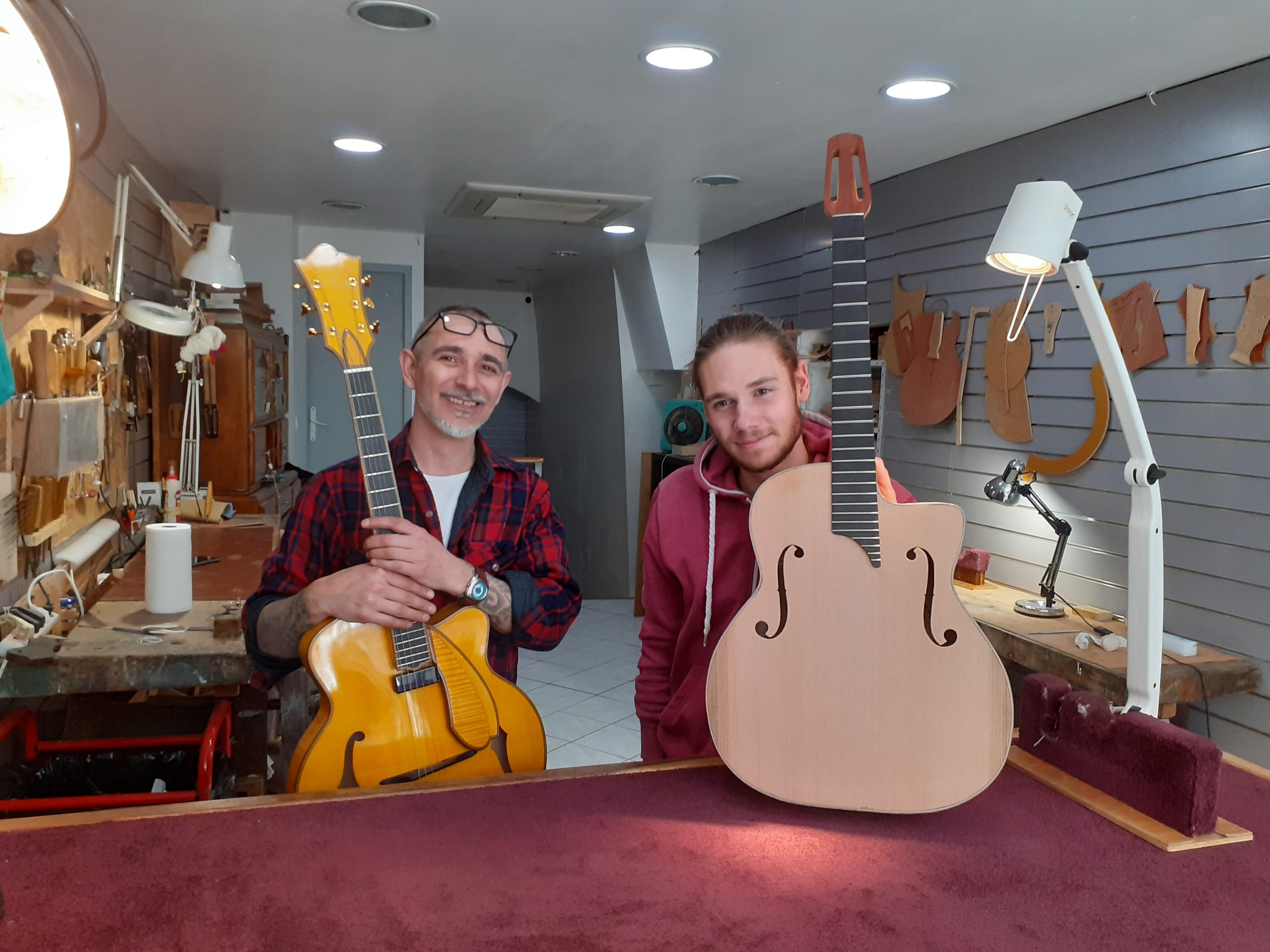 Un luthier dans l'âme et jusqu'au bout des doigts à Sisteron !
