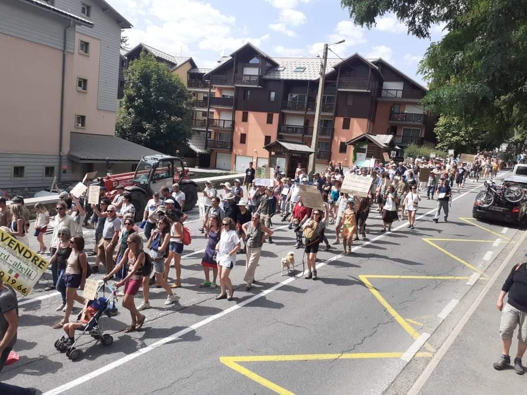 Manifestation contre le pass sanitaire : De plus en plus de monde dans les rues Briançonnaise !