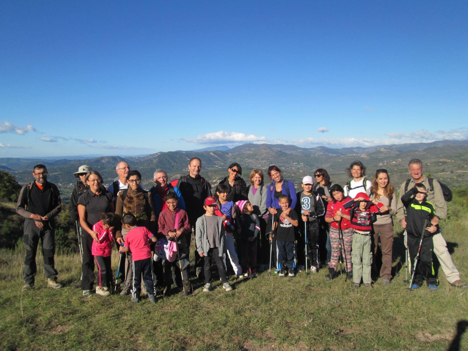 Des familles dignoises à l'assaut du sommet du Cousson