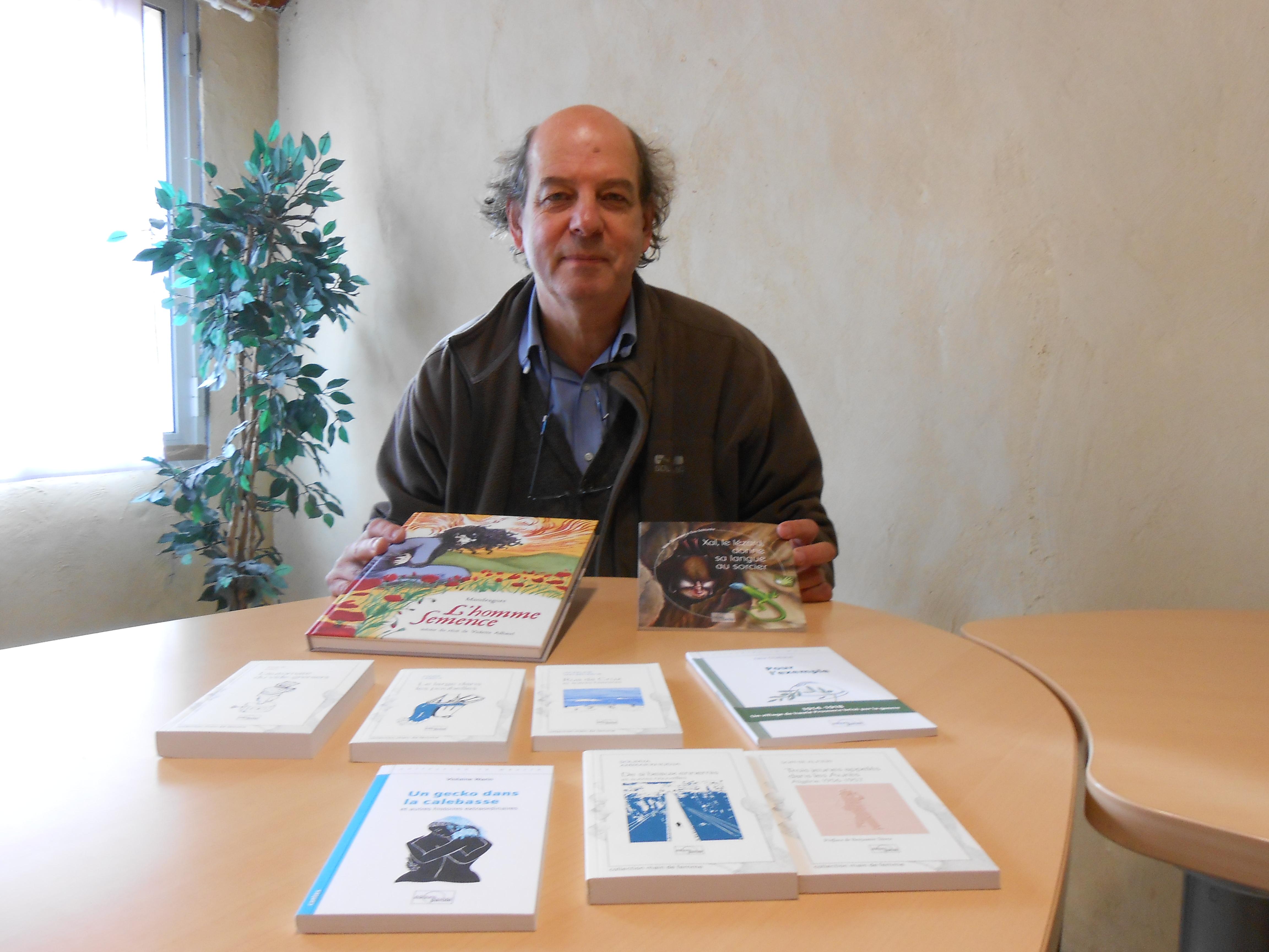 Jean Darot  présente les dernières publications des Editions Parole.