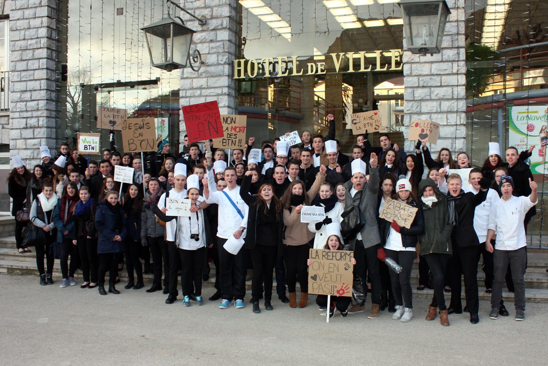 Manifestation à Sisteron contre la réforme du Bac BTN !