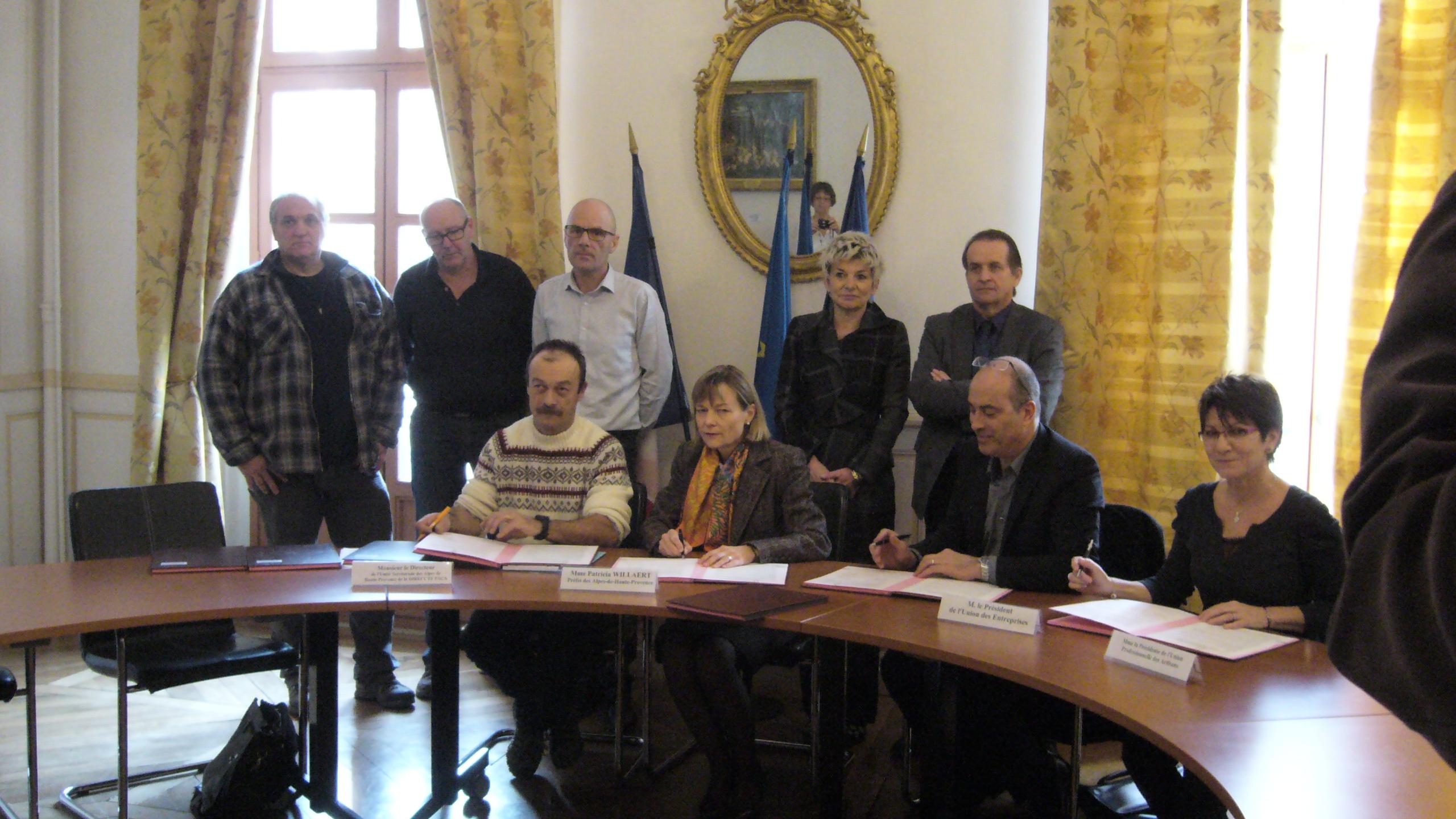 Un accord a été signé hier pour accueillir et loger des travailleurs saisonniers dans le 04.