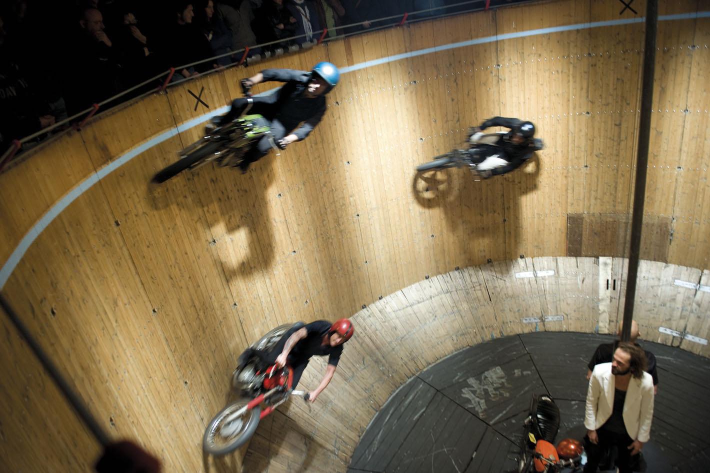 Acrobaties motardes au théâtre de verdure de Gap