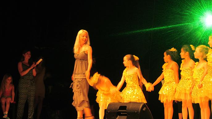 Les élèves de piano et de danse de l'école du sous-sol ont ravi le public dignois.