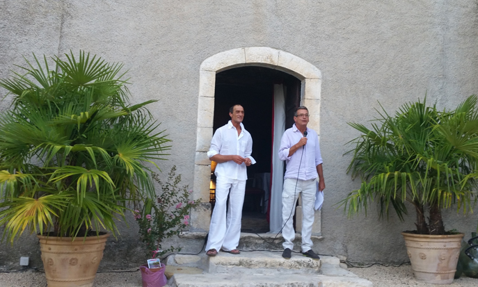 Les propriétaires du château de Lardiers récompensés par la Fondation de Patrimoine de France pour la rénovation de leur bâtisse.