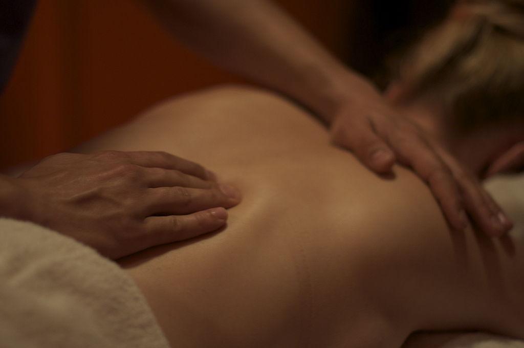 Connaissez-vous la thérapie des fascias ? Vince a rencontré un spécialiste