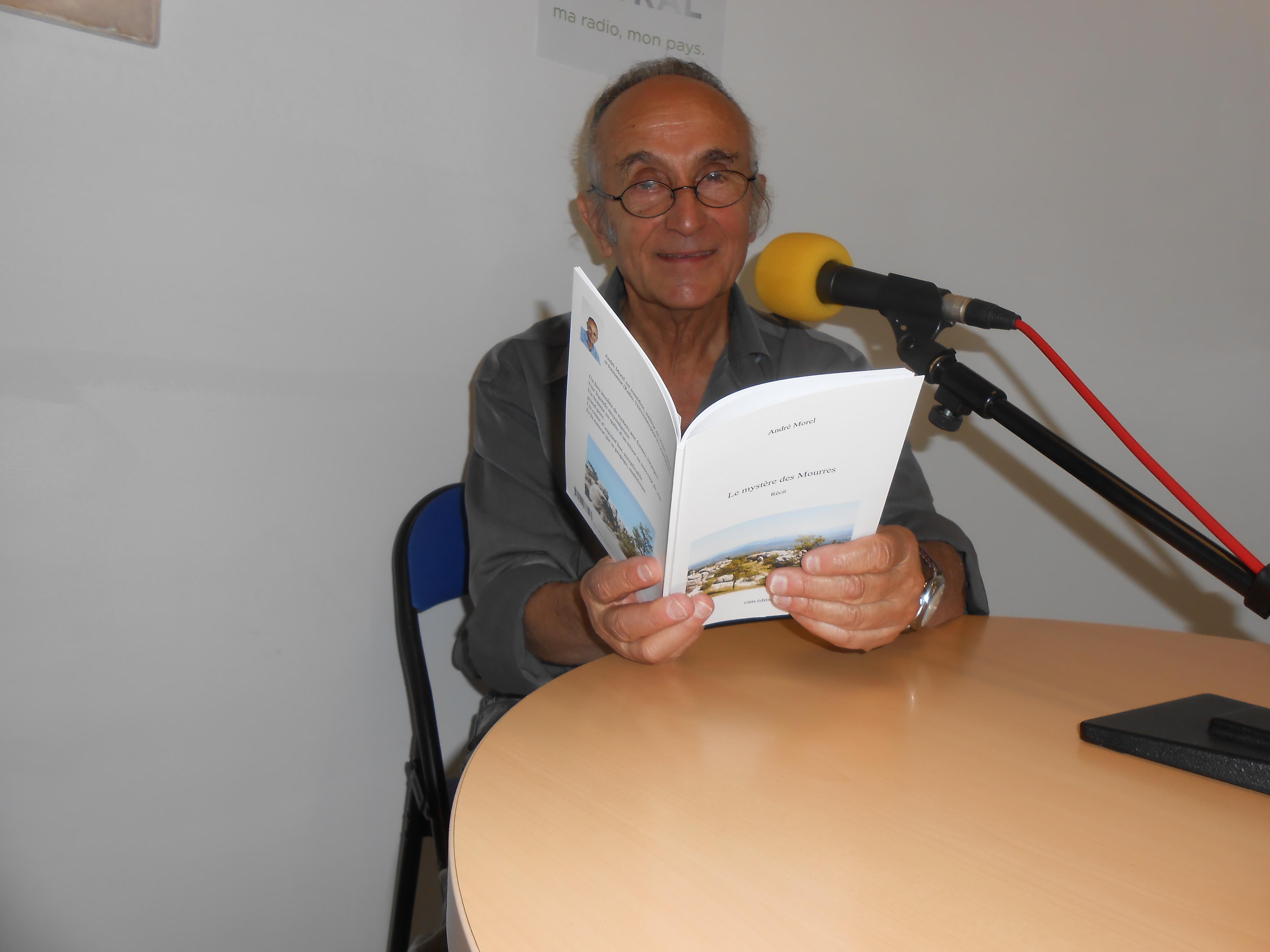 L'écrivain André Morel se dévoile