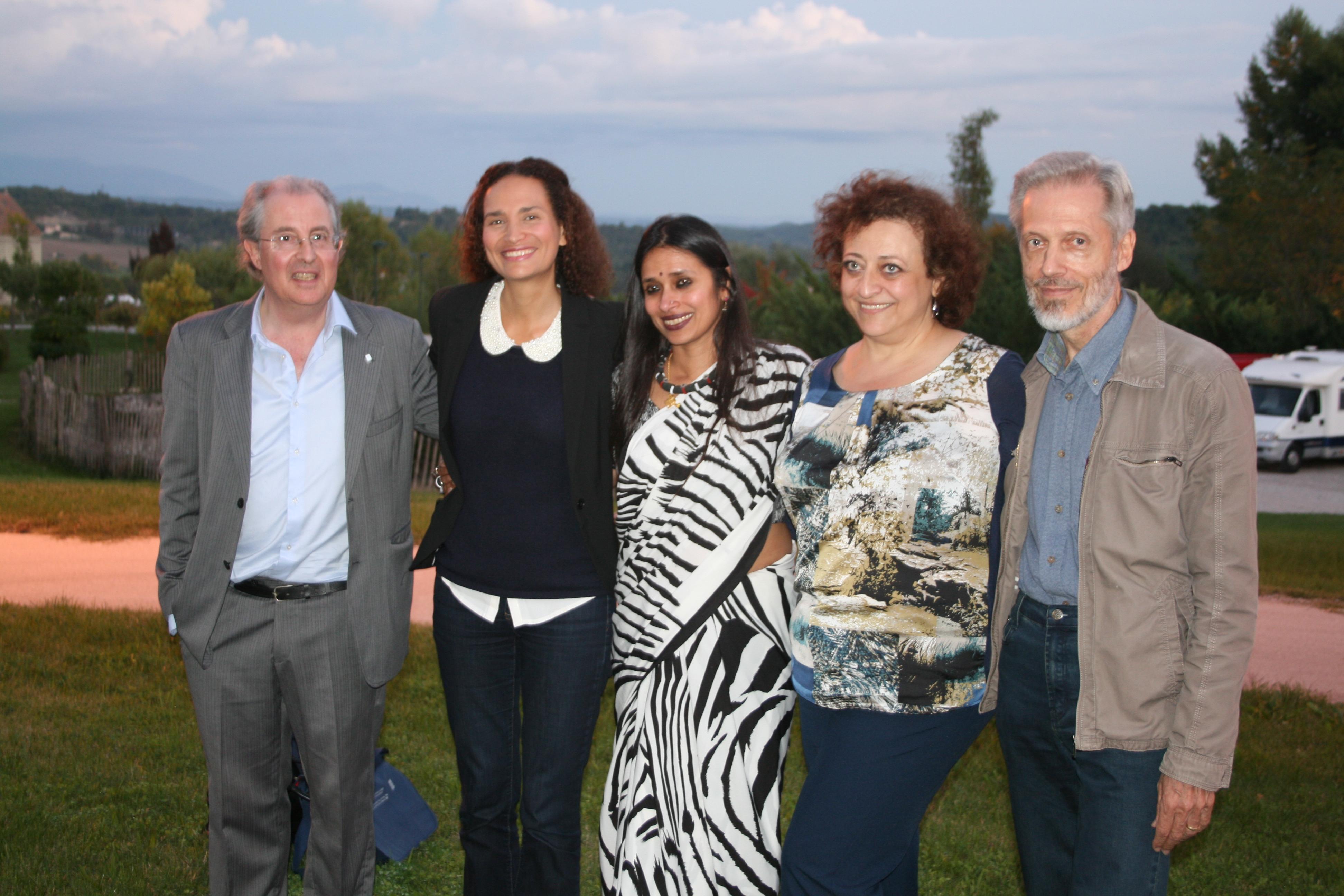 La presque totalité des intervenants aux Rencontres Envie d'Humanité, Philippe Courbon, l'initiateur, Frédérique Bedos, Rama Mani, Muriel Scibilia et Jean Fabre.@C.G