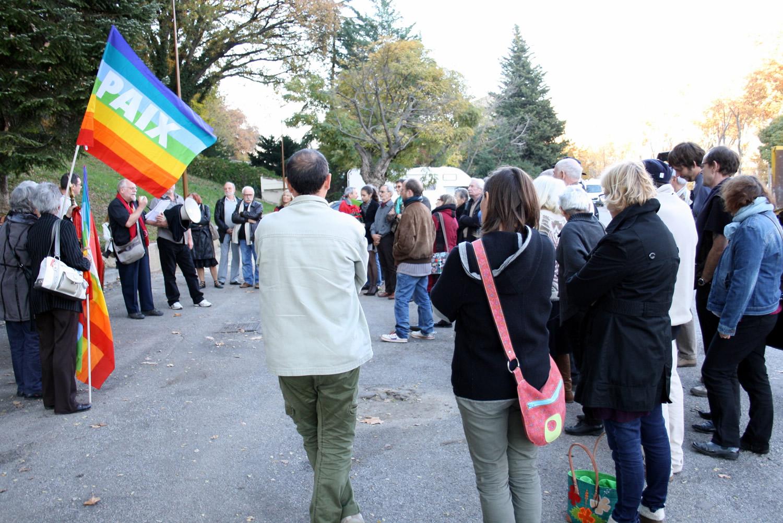 Une manifestation en marge des commémorations du 11 novembre !