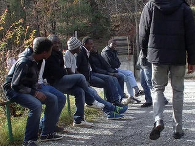 Micro Trottoir 1: Que pensent  les briançonnais au sujet des migrants accueillis dans notre ville?