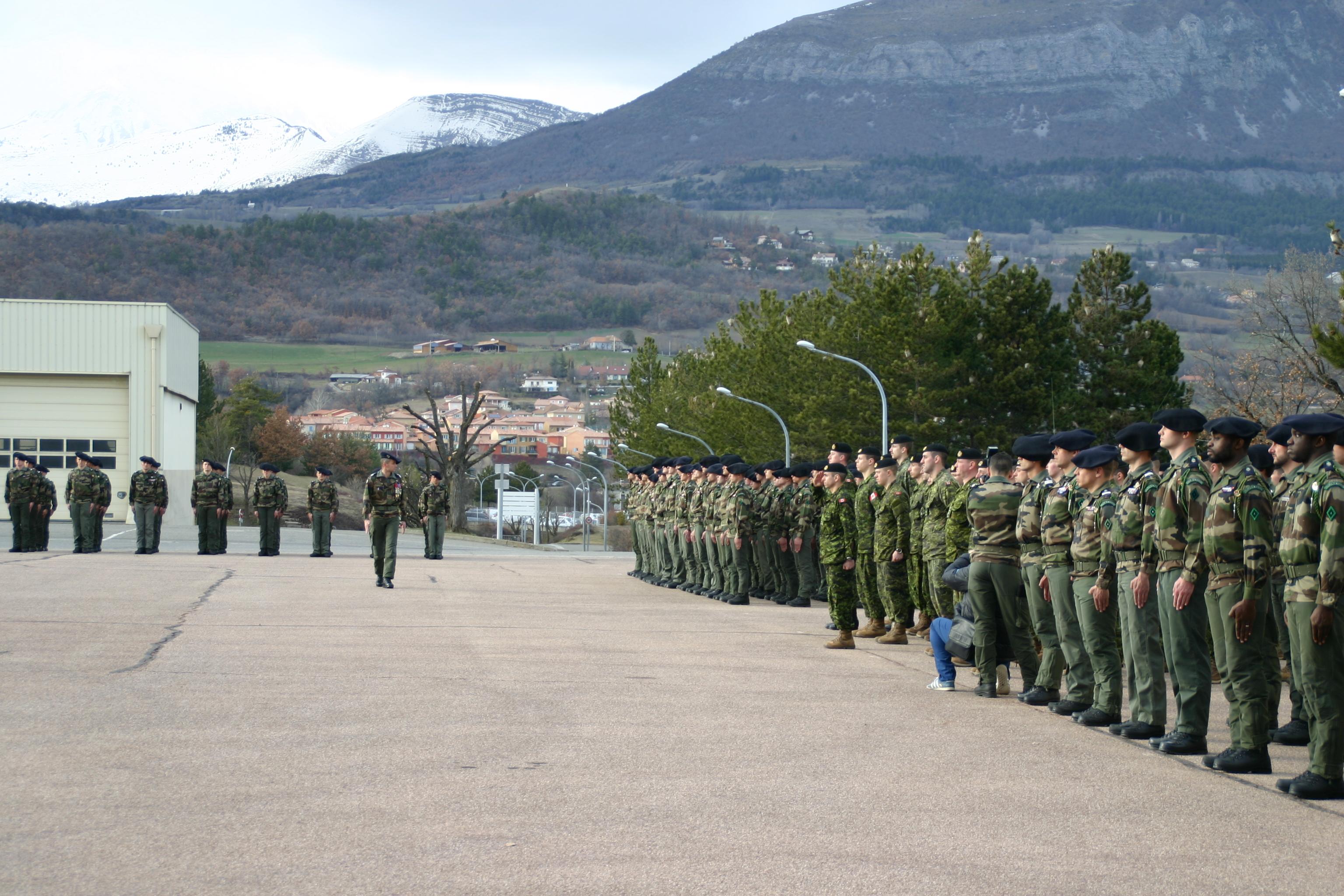 Une cérémonie militaire franco-canadienne à Gap