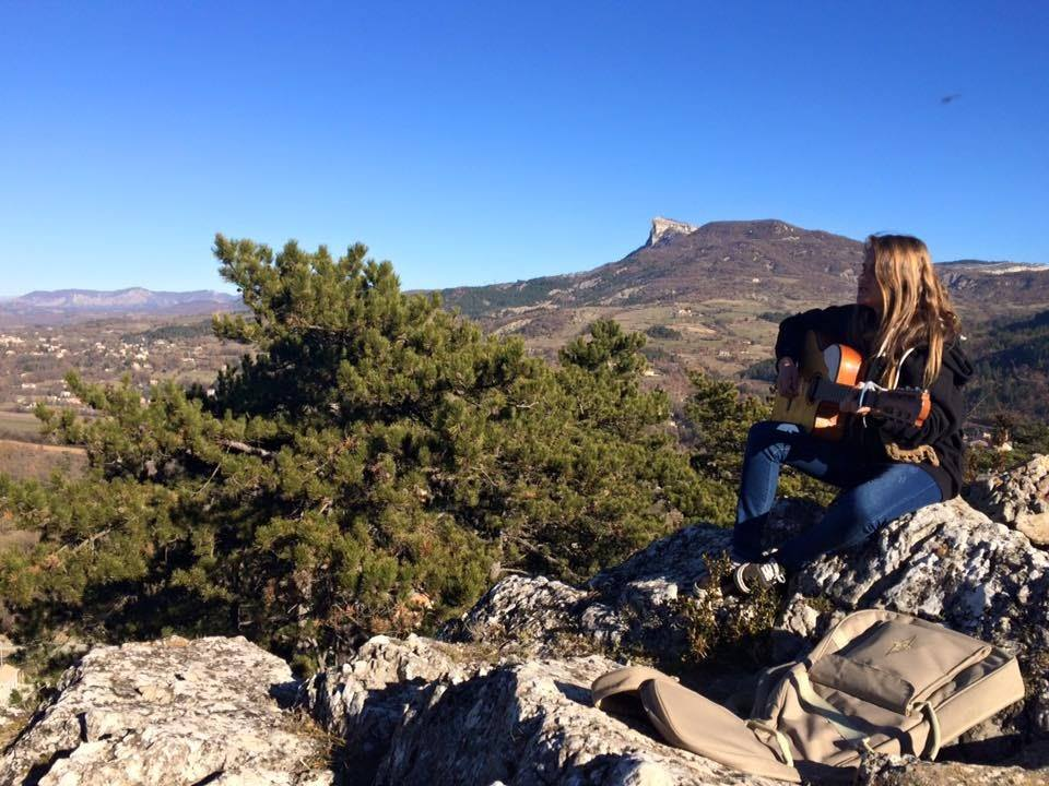 Boby auteure compositrice interprète originaire de Sisteron