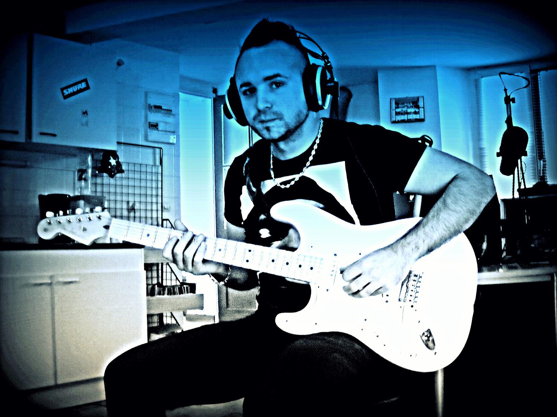 MARIO PONCELET, ANIMATEUR RADIO MAIS AVANT TOUT MUSICIEN !