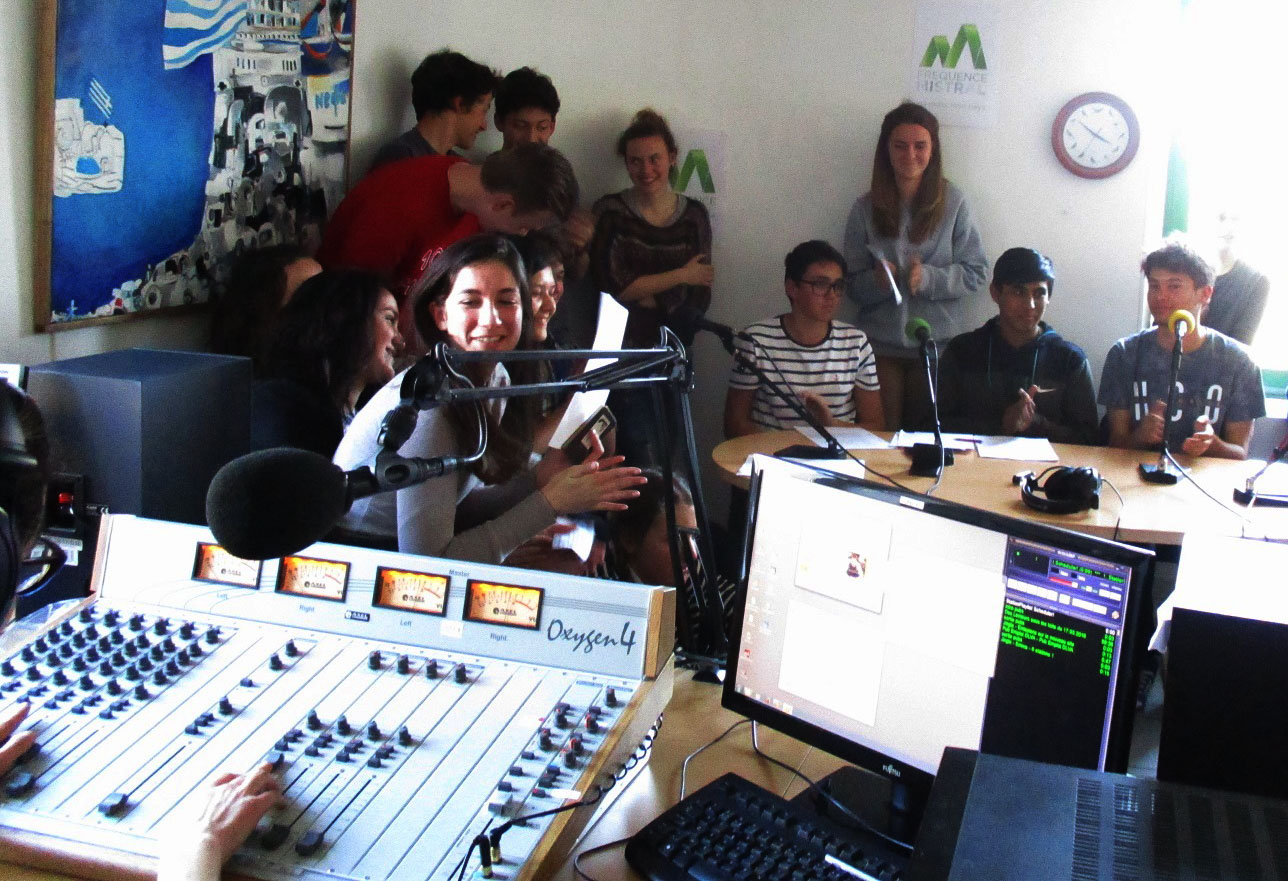 Echt Irre Musik - I  giovani e i generi  musicali !