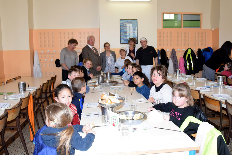 Les producteurs locaux passent à table à la cantine municipale de Sisteron !