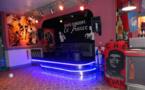 Un café-concert, bien sur scène : Le France à Peyruis…
