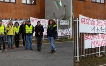 Les parents d'élèves manifestent à Pierre Gilles de Gennes