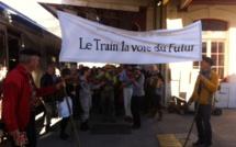 Une manifestation pour sauver les trains à la gare de Briançon