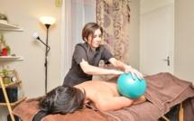 Pour une détente réconfortante : le massage au ballon d'eau chaude