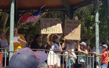"""A Digne les bains, un millier de personnes dans la rue contre la """"dictature sanitaire"""""""