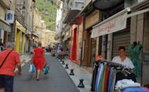 Un été qui passe par les commerces à Sisteron !