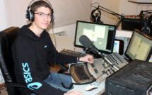 Ancien stagiaire, Damien Escanez est revenu dans nos studios pendant ses vacances !
