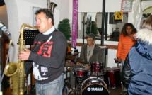 La fête et la musique passent par le Café de la Gare à Chorges